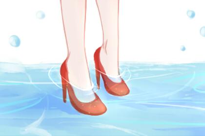 当一个女人梦见她的鞋子湿透了是什么意思